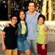 Novela 'As Aventuras de Poliana': Luciano (Felipe Folgosi) reencontra as crianças e ouve de Yasmin (Bia Lanutti) que ela está zangada com ele no capítulo de segunda-feira, 6 de julho de 2020