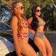 Maiara e Maraisa exibem corpos sequinhos em fotos de biquíni na web