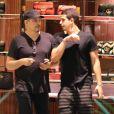 Enzo Celulari e Edson Celulari participaram de uma live da revista 'GQ'