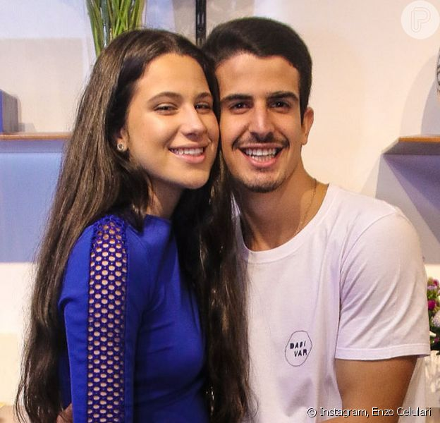 Enzo Celulari tentou acompanhar os passos da irmã, Sophia Raia, em coreografia no TikTok neste domingo, 23 de agosto de 2020