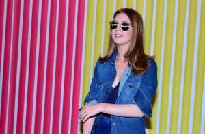 Marina Ruy Barbosa usa decote para assistir desfile do São Paulo Fashion Week