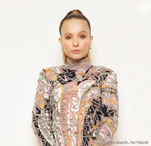 Larissa Manoela usa look curto com brilho para o Meus Prêmios Nick, em 27 de setembro de 2020