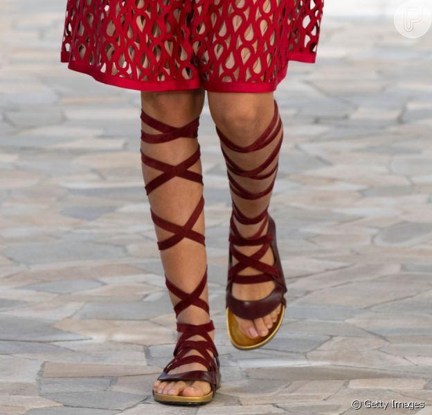 Sandália gladiadora: fique por dentro da tendência!