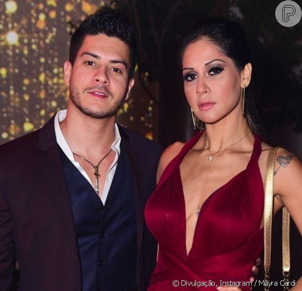 Mayra Cardi e Arthur Aguiar são vistos juntos em shopping de São Paulo, em 17 de outubro de 2020