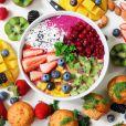 Alimentação saudável é um dos pilares da vida saudável de influenciadoras com mais de 40 anos
