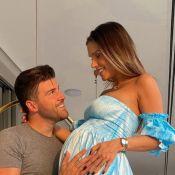 Com filho, Flavia Viana e noivo refazem foto: 'Amor continua crescendo'. Foto!