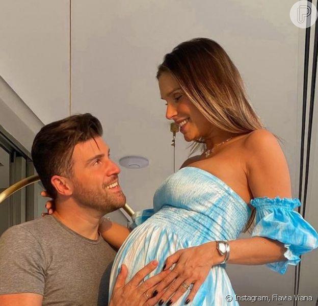 Flavia Viana e o marido, Marcelo Zangrandi, refizeram foto da gravidez agora com o filho do casal, Gabriel, nascido em setembro de 2020