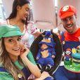 Flavia Viana e o marido, Marcelo Zangrandi, são pais de Gabriel, nascido em setembro de 2020. Apresentadora também é mãe de Sabrina, de 17 anos