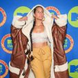 Alicia Keys combina top com calça larga da Moschino no EMA MTV 2020!