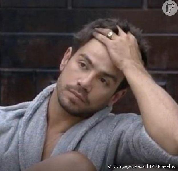 'A Fazenda 12': Mariano fica abalado após Lidi Lisboa chamar cantor de machista na TV