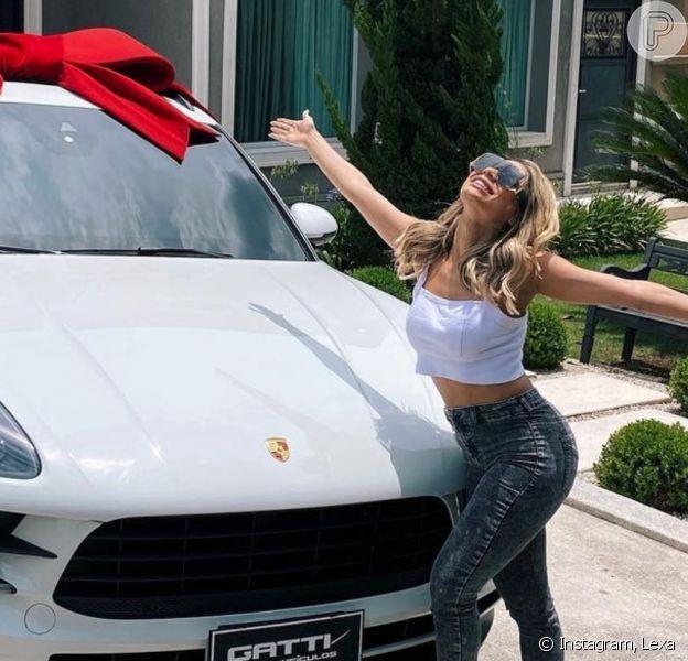 Lexa compra primeiro carro de luxo e comemora: 'Meu suor, minha conquista'