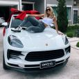 Lexa comprou o carro desportivo Porsche modelo Macan