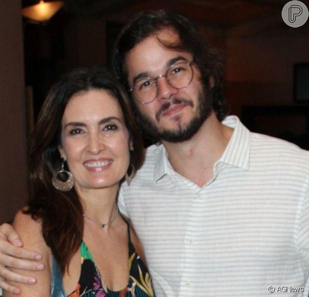 Fátima Bernardes apareceu em foto postada por Túlio Gadêlha após cirurgia de retirada de tumor