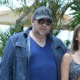 Uma semana após cirurgia, Leandro Hassum passeia por shopping no Rio de Janeiro, neste domingo, 9 de novembro de 2014