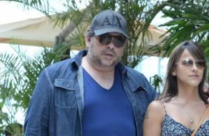 Após cirurgia de redução de estômago, Leandro Hassum passeia por shopping no Rio