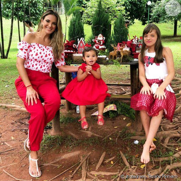 Ticiane Pinheiro posou com as filhas, Rafaella e Manuella