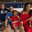Ivete Sangalo acompanhou o 'Domingão do Faustão', de casa, ao lado da família