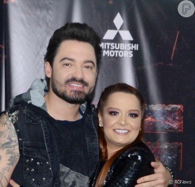 Maiara dançou de biquíni em passeio de barco com o namorado, Fernando Zor
