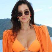 Looks de Vera Viel no verão: biquíni asa-delta, bucket hat e mais trends. Inspire-se!