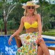 Veja look de Ana Paula Siebert para curtir piscina com a filha