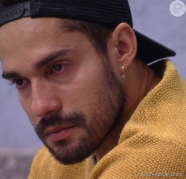 'BBB21': Arcrebiano chorou em conversa com Karol Conká