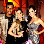 Marcello Melo Jr. leva a namorada à festa de professora do 'Dança dos Famosos'