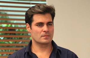 Novela 'Alto Astral': Após briga, Marcos expulsa Caíque (Sergio Guizé) de casa
