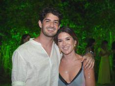 Nos EUA, Pato e Rebeca Abravanel tomam 1ª dose da vacina contra Covid: 'Dias melhores chegando'