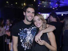 Carol Dias posta vídeo beijando Kaká ao comemorar 39 anos do marido: 'Orgulho!'
