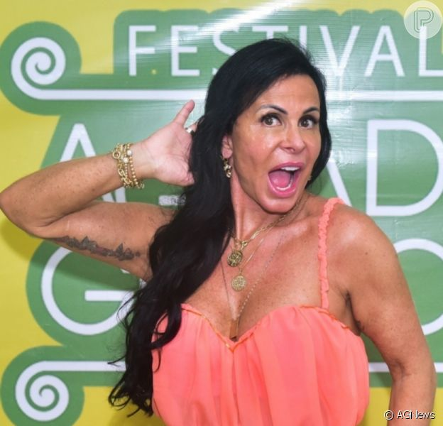 Gretchen, aos 61 anos, foi elogiada em foto de biquíni: 'Corpão'