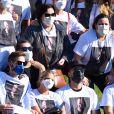 Após ser cremado, Paulo Gustavo foi homenageado com uma foto por amigos e familiares