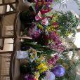 Marina Ruy Barbosa ganhou muitas flores em seu aniversário