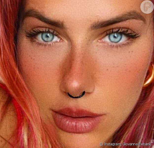 Giovanna propõe pintar cabelo de rosa e web aprova