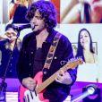 Namorada de Fiuk, Thaisa Carvalho vibrou com a felicidade do cantor em subir ao palco novamente