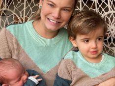 Milena Toscano combina look de inverno com os filhos: 'Meu mundo'