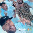 Bruna Biancardi apareceu em uma foto postada por Neymar na companhia de amigos