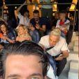 Neymar e Bruna Biancardi foram clicados no Parc des Princes em um jogo do PSG