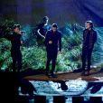 One Direction se apresentou com a música 'Night Changes' no American Music Awards 2014, realizado em Los Angeles, nos Estados Unidos, em 23 de novemrbo de 2014
