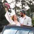 Joelma revelou nervosismo ao usar vestido de noiva para clipe