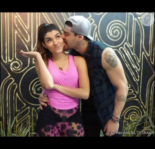 Ana Paula Guedes nega namoro com Lucas Lucco, mas confirma entrosamento. 'Tivemos uma química', afirmou ela neste domingo, 30 de novembro de 2014