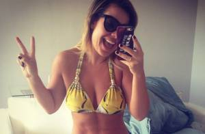 Fernanda Souza posa de biquíni e anuncia férias após 'The Voice': 'Ano incrível'