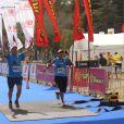 O primeiro desafio foi a Maratona de Jerusalém, ao lado de Clayton Conservani. Eles completaram a prova em quatro horas e trinta e seis minutos