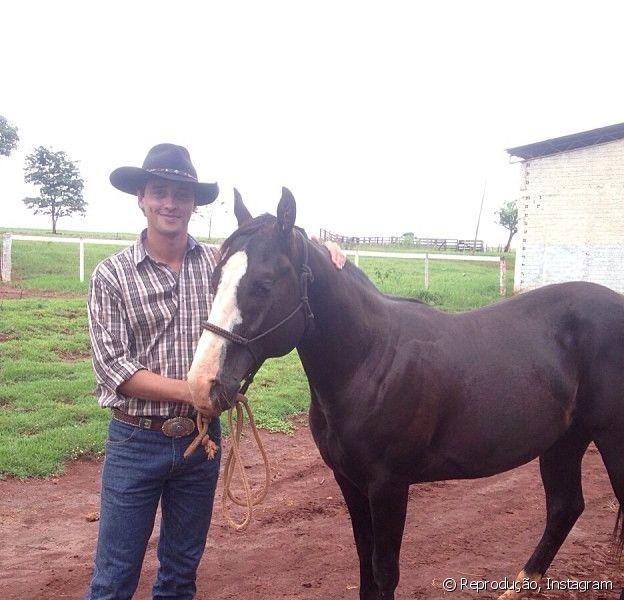 Fael Cordeiro, vencedor do prêmio de R$ 1,5 milhão do 'BBB12', investiu o dinheiro em fazendas