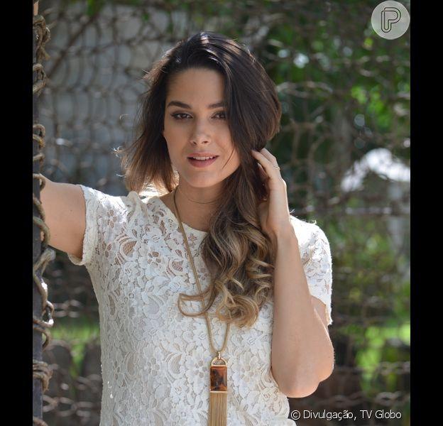 Fernanda Machado, grávida de quatro meses, espera uma menina
