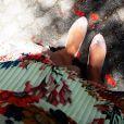 Fernanda Machado deu pistas sobre o sexo do bebê com uma foto postada em seu Instagram: 'Não existe sensação melhor do que saber que não estou mais sozinha! Onde vou ela vem comigo!'