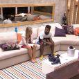 Após serem indicados, Francieli e Douglas conversam sobre votos na sala do 'BBB 15'