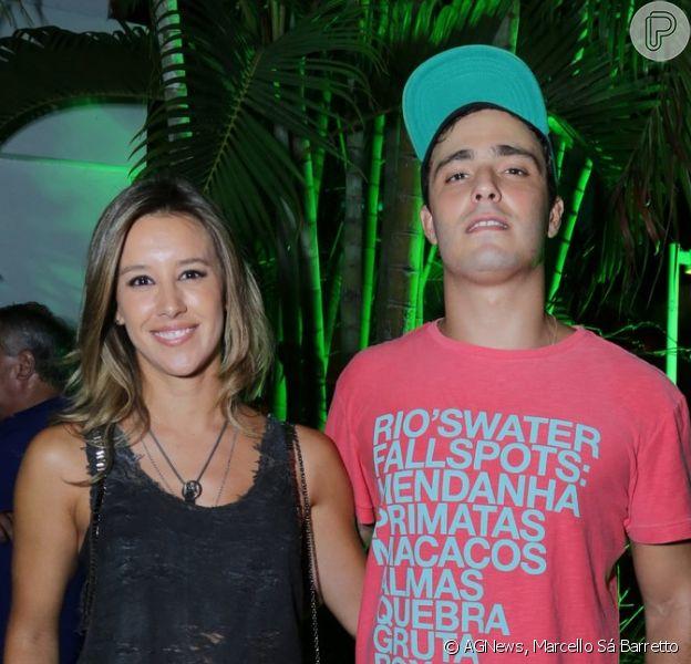 Thiago Rodrigues e Cristiane Dias prestigiaram a festa da rede social Trippics, que aconteceu na noite de quinta-feira, 29 de janeiro de 2015