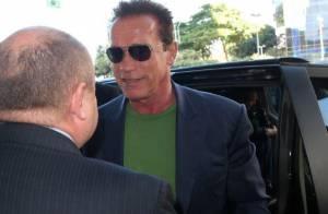 Arnold Schwarzenegger chega ao Rio de Janeiro para evento esportivo