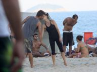 Fernanda Lima e Rodrigo Hilbert jogam vôlei e namoram na praia do Leblon, no Rio