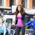 Megan Fox pulou em um mini-trampolin para rodar cena de 'Tartarugas Ninja' em Nova York, Estados Unidos